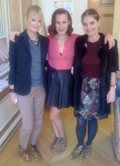Jennie Palm, Charlotte Dellal och mamma i Charlottes Showroom i Paris